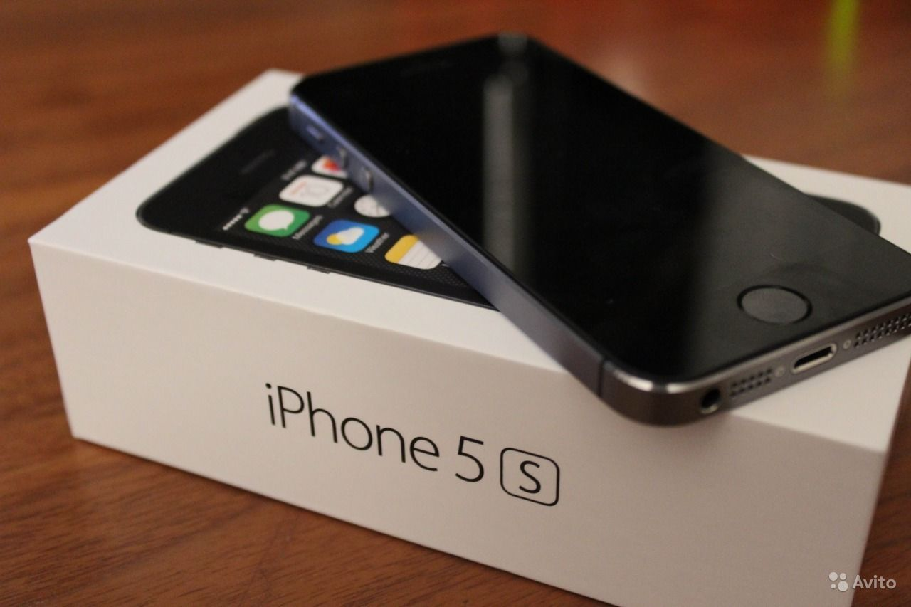 Продам iPhone 5S 16GB. Хабаровский край,  Хабаровск