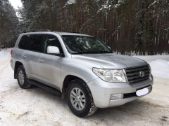 Аренда Toyota Land Cruiser 200 с водителем