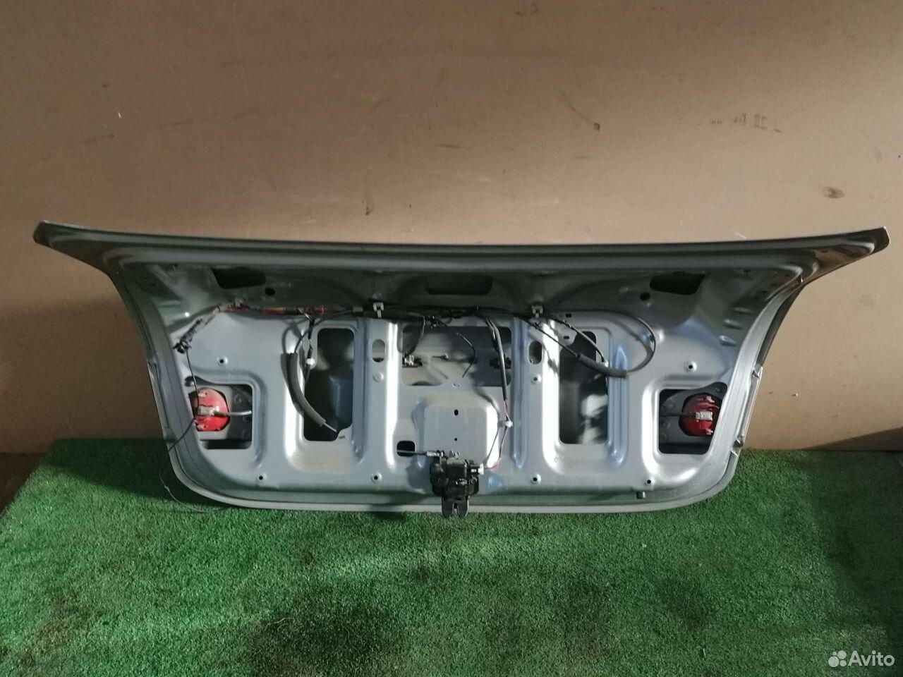 Крышка багажника Nissan Almera