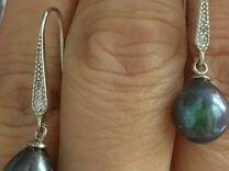 Новые серебряные серьги с черным жемчугом